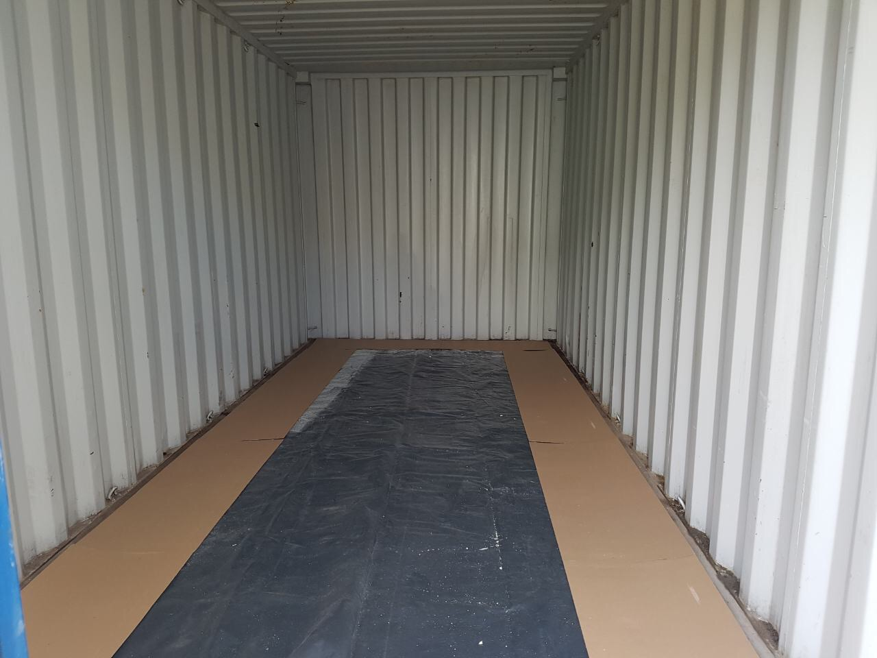container without spray foam insulation